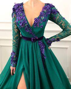 Elegant Long Sleeve Lace Evening Dresses,Beautiful Appliques Formal Prom Dresses,Charming V-Neck Party Dresses in 2020 Lace Evening Dresses, Elegant Dresses, Pretty Dresses, Evening Gowns, Prom Dresses, Formal Dresses, Formal Prom, Dress Prom, Dress Wedding
