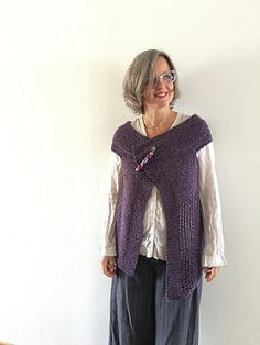 It's a top-down sleeveless cardigan :) Based on the form of the rectangle perfect for every occasion.