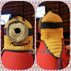 Virkattu Minion pipo. Crochet Minion beanie.
