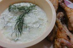 Jak připravit řecké tzatziky | recept Tzatziki, Hummus, Camembert Cheese, Dairy, Chicken, Ethnic Recipes, Food, Essen, Meals