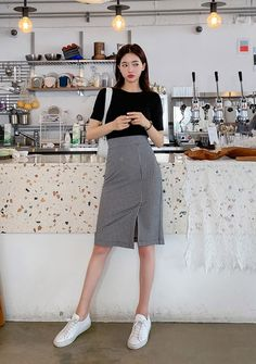 May 2020 - Chess Player Check Pencil Skirt - I know you wanna kiss me. Thank you for visiting CHUU. Korean Skirt Outfits, Korean Casual Outfits, Korean Summer Outfits, Korean Fashion Summer Street Styles, Korean Fashion Pastel, Korean Fashion Dress, Japanese Outfits, Ulzzang Fashion, Simple Outfits