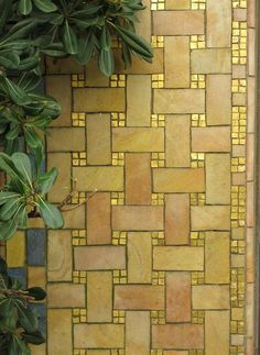 Paving inspiration for Patchwork quilt, photograph by Jane Brocket, from… Mosaic Diy, Mosaic Glass, Mosaic Tiles, Stained Glass, Glass Art, Vintage Bathroom Decor, Modern Bathroom Decor, Tile Patterns, Textures Patterns