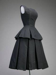 Cocktail dress, ca.1954. Silk faille. Christian Dior, Inc. Gift of Mrs. Henry D. Paschen (Maria Tallchief). 1980.142a-b