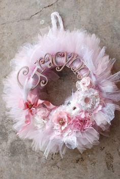 Home decor for different holidays can be crafted easily and with various materials. Today we shall show you magnificent DIY tulle wreath ideas which