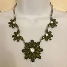 Beautiful Green and Silver Statement Necklace Make a statement! Dark green and silver stones. All in tact. Silver chain. In like new condition. Francesca's Collections Jewelry Necklaces