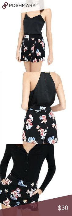 Express Floral Pleated Shorts Practically New These Shorts Are Cute And Dainty Perfect For Spring Fits True To Size Express Shorts