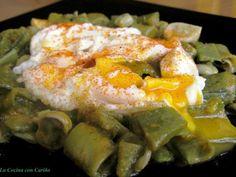 Receta Habas tiernas esparragás con huevos rotos, para Molinillo - Petitchef