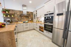 #Ukitchen #Ushapedkitchen #classickitchen #kitchendesign #kitchenfurniture #kitchenideas #beigekitchen #creamkitchen #kitchenbacksplash  #KUXAstudio #KUXA #KUXAkitchen #bucatarieclasica #bucatarieU Kitchen Furniture, Furniture Design, Classic Kitchen, Home Library Design, U Shaped Kitchen, Kitchen Room Design, My Dream Home, Backsplash, Kitchen Cabinets