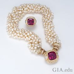 french gold jewelry makers marks behind gold jewelry store online outside 24 karat gold jewelry near me versus gold jewelry box images Silver Jewellery Indian, Gold Jewellery Design, Bead Jewellery, Fashion Jewelry Necklaces, Pearl Jewelry, Bridal Jewelry, Beaded Jewelry, Fine Jewelry, Silver Jewelry