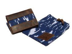 Hermosa billetera de cuero para hombre con un detalle de tapiz de algodón! Incluye una bolsa/cartera de tela. Tu nuevo accesorio favorito está aquí!  https://www.kickstarter.com/projects/841976228/anqa-wallets-changing-a-country-through-design