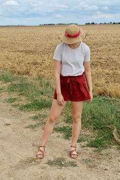 straw hat and bandana, striped shirt and linen shorts #ootd
