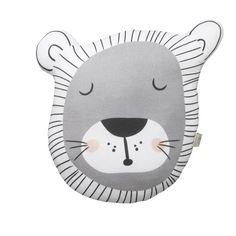 lion+cushion