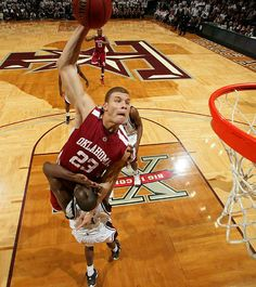 Blake Griffin's Dunking Pictures | Blake-Griffin.org