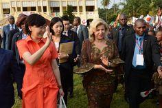 Dominique OUATTARA Première Dame de Côte d'Ivoire et Akie ABE   à leur arrivée à…