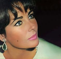 Elizabeth Taylor she was just too beautiful for words.
