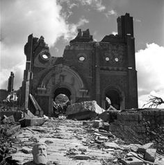 Recently uncovered photos of the ruins of Hiroshima and Nagasaki.