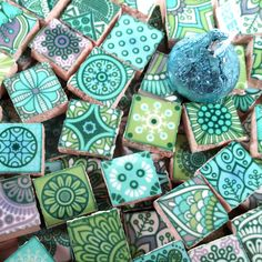 Mosaic Tile Designs, Ceramic Mosaic Tile, Mosaic Patterns, Mosaic Art, Mosaic Garden, Mosaic Projects, Green And Purple, Mint Green, Color Tile