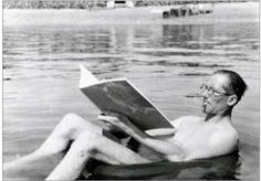 Le Corbusier at work !