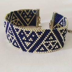 Encore un pour la route #bijouxfaitmain #bijoux #jewellery #handmadejewelry #diy #jenfiledesperlesetjassume #perles #perlezmoidamour #miyukibeads #miyuki #Strasbourg #beadwork #beads #beadedjewelry #manchette #handmade #perleaddict #tissage #tissageperles #bracelet #peyote #jenfiletoujoursdesperles #jenfiledesperlesetjaimeca #jenfiledesperlesetjenoubliedemarreter @artistic.bracelet