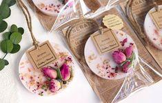 ぷち可愛い♡ アロマ・ワックスサシェ mini【elegant rose】 - DIY and Crafts Homemade Soap Recipes, Homemade Gifts, Diy Gifts, Candle Packaging, Soap Packaging, Homemade Candles, Diy Candles, Scented Candles, Rustic Candles