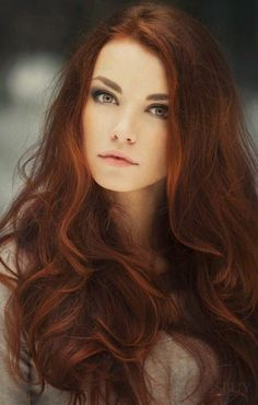 "Auburn hair color is a variation of red hair color but is more brownish in shade. Just like the ombre,Read More Flattering Auburn Hair Color Ideas"" Hair Color Auburn, Deep Auburn Hair, Light Auburn, Auburn Brown, Cool Hair Color, Summer Hair Colour, Deep Red Hair Color, Hot Hair Colors, Great Hair"