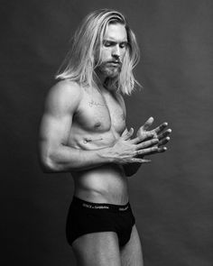 MODEL: Alessandro Pierozan @alepierozan PHOTOGRAPHER: Jeff Segenreich @jeffsegenreich . . . . #hunk #cute #handsome #hot #sexy #muscle #gym #workout #man #sixpack #pecs #malebody #fitness #body #bodybuilder #bodybuilding #follow #followme #picoftheday #photography #photooftheday #men #amazing #cool #fitnessmodel #gym #workout #swag #model #fit #aesthetics #tattoo