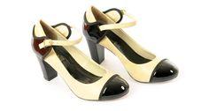 Sapato com biqueira - R$159,90, na Imporium (Rua Vinícius de Moraes, 80 A. Ipanema, Rio de Janeiro.Tel.: 21 2247-7262) Foto: Divulgação ção Peças inspiradas nos anos 20