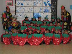"Carnaval 2010 "" Fruites"" - Escola Llibertat - Maduixes Creepy Kids, Fruits For Kids, Kindergarten, Fruit Of The Spirit, Carnival Costumes, Raising Kids, Mask For Kids, Fancy Dress, Special Events"