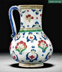 A LARGE IZNIK POLYCHROME DISH, TURKEY, CIRCA 1580