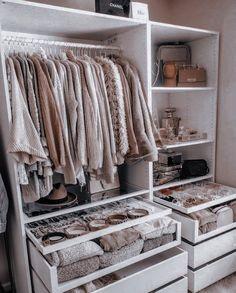 Walk In Closet Design, Bedroom Closet Design, Wardrobe Design, Closet Designs, Modern Wardrobe, Small Wardrobe, Double Wardrobe, Wardrobe Room, Wardrobe Closet