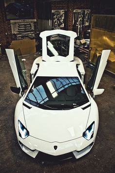 Lamborghini Aventador                                                                                                                                                      もっと見る