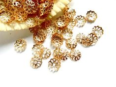 50 KC Gold Plated Flower Bead Caps - 18-KCBC-4 by TreeChild1 on Etsy