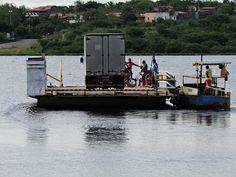 Conheça Cabaceiras do Paraguaçu na Bahia, terra do poeta baiano Castro Alves. Travessia pelo rio Paraguaçu para Santo Estevão/Ba.