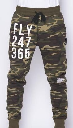 The waistband and ankle cuffs will be faux fur Street Style Trends, Casual Street Style, Jogger Pants, Joggers, Camouflage Suit, Camo Shorts, Fall Jeans, Mens Sweatpants, Mens Trends