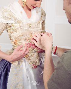 Fotos que reflejan la pasion por mi trabajo. Gracias @franadlert por plasmar mi trabajo. @_raalber repetimos sesiones? Jajaja… European Dress, Bad Girl Aesthetic, Beautiful Dolls, Doll Clothes, Sari, Lingerie, Rococo, Regional, Inspiration