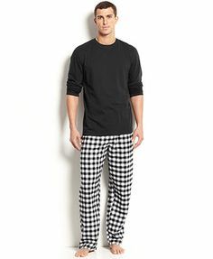 Club Room Men's Sleepwear, Crew Neck T-Shirt and Plaid Fleece Pants Pajama Set