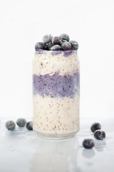 Coconut Blueberry Overnight Oats are an easy and healthy breakfast recipe. This oatmeal is made with coconut milk and non-dairy milk, so it's 100% vegan and 100% delicious! #veganbreakfast #breakfastrecipes #dairyfree #veganrecipes #blueberryrecipes #healthy