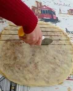 Eating and drinking funny Uzbekistan Food, Turkish Breakfast, Eastern Cuisine, Tasty, Yummy Food, Turkish Recipes, Ethnic Recipes, Breakfast Items, Sweet Bread