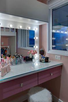 Estudio Makeup, Dreams Beds, Salon Interior Design, Bedroom Closet Design, Makeup Rooms, Aesthetic Rooms, Bedroom Themes, Dream Rooms, My Room