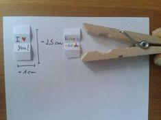 Holzwäscheklammer mit Maßen für den Brief, der in die Klammer soll