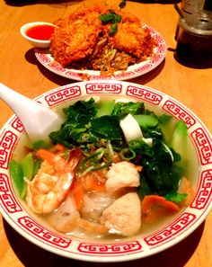 "Asian food ""Noodle Bar"""