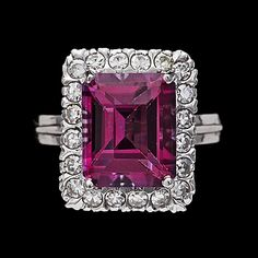 40. A pink topaz and brilliant cut diamond ring, tot. 0.40 ct.
