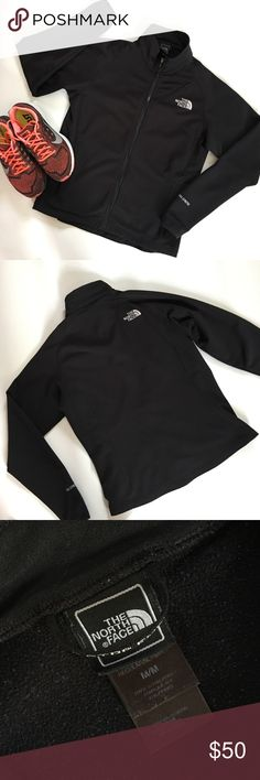 North Face Women's Jacket This amazing Jacket is lined with a lightweight soft fleece to keep you warm on a windy spring day. Excellent used condition. My all-time favorite North Face jacket but sadly now is too small. Pet free/Smoke free! North Face Jackets & Coats