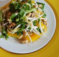 Raw Vegan Salad Recipes: Raw pad Thai salad