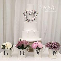 Sugar flower heart wreath wedding cake