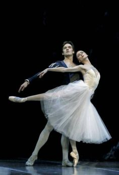 Svetlana Zakharova and Friedemann Vogel in Giselle / Photo by Francette Levieux