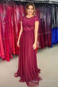 Wedding Bridesmaids, Bridesmaid Dresses, Wedding Dresses, Elegant Dresses, Formal Dresses, Magenta, Designs For Dresses, Dress Patterns, Evening Gowns