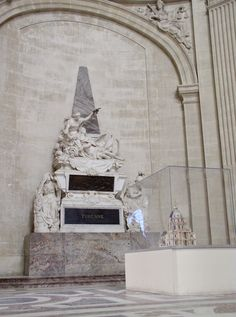 Vauban and Turenne Tombs in the Invalides. The base was made out of Sarrancolin marble. Paris Love, Louis Xiv, Making Out, Jasper, Marble, Image, Granite, Marbles