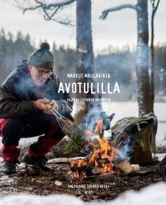 Kuvaus: Sallan eräopas ja Michelin-tason keittiömestari Markus Maulavirta johdattaa lukijat luontoretkelle. Hän opastaa heitä poimimaan metsän herkkuja eri vuodenaikoina ja valmistamaan herkullista ruokaa kalasta, linnuista, hirvestä, porosta sekä sienistä, marjoista ja kasveista. Hän antaa parhaat vinkkinsä luonnossa liikkumiseen, sekä kalan ja riistan käsittelyyn, ja välittää eränkävijän tietonsa ja taitonsa, jotka ovat aika päiviä hukkuneet maalta muuttaneelta kännykkäsukupolvelta.