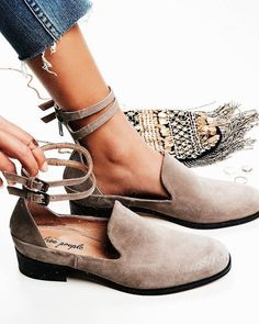 ♕pinterest/amymckeown5 Clothing, Shoes & Jewelry : Women : Shoes : heels http://amzn.to/2l3ZKiR: